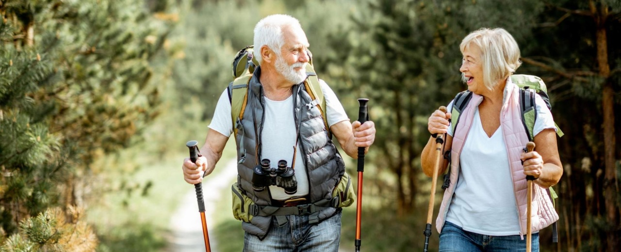 Couple hiking in the Methow Valley